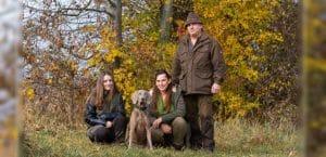 Familie mit Weimaraner